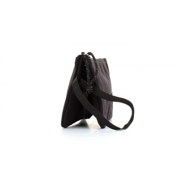 d361f40189 Trousse plate 3 compartiments noire Eastpak au meilleur prix